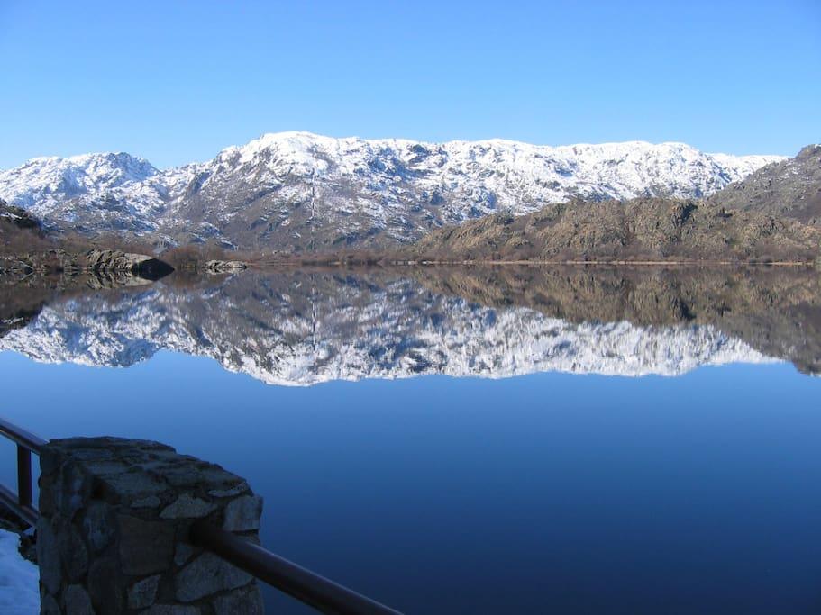 El fabuloso Lago de Sanabria. Playas de agua dulce de origen glaciar