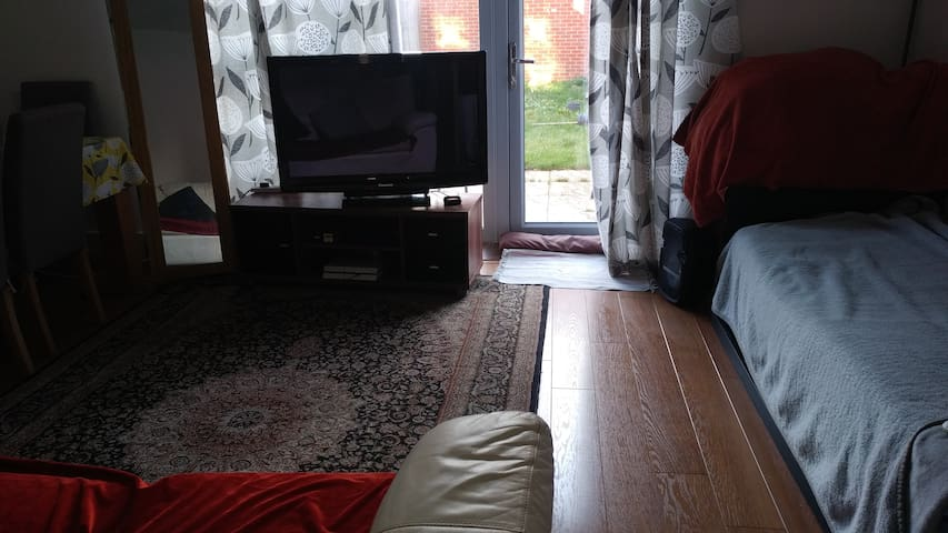 Spacious Large Room in Semi Detached House