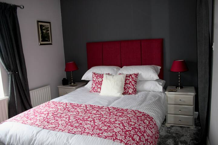Mere Cottage B & B, Bronte Room - Alsager - Bed & Breakfast