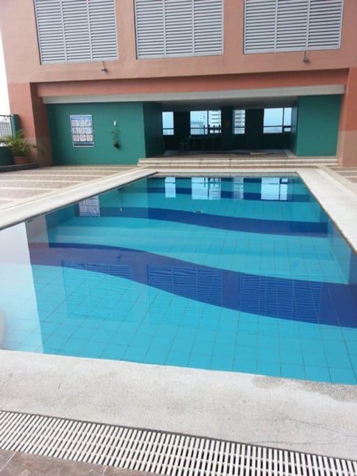 swing pool. at 12 floor.