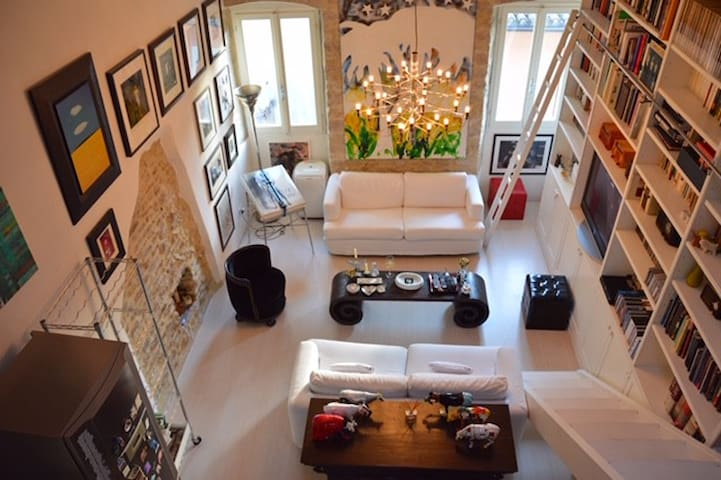 Stunning apartment in historic center Spoleto