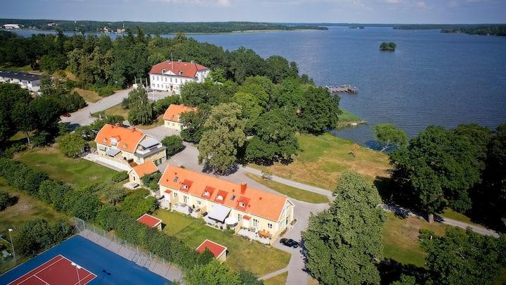 Ulvhälls Herrgård by Mälaren