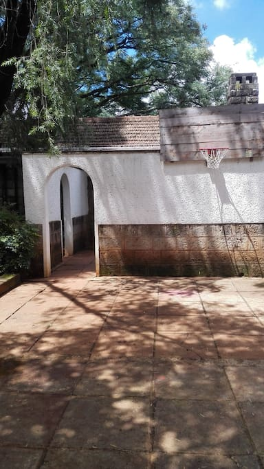 Classic Nairobi bungalow, sited on massive garden in safe and quiet street
