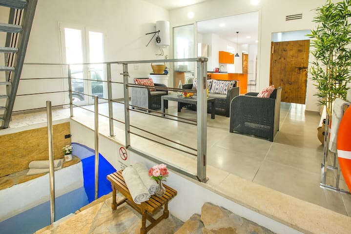 New Modern Villa Feliu with Underground Heated Pool