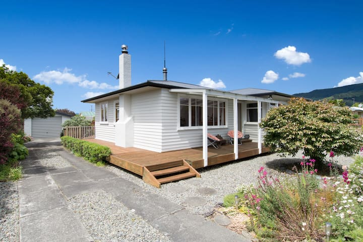 Honey Cottage - 3 Bedroom Home - Richmond - Talo