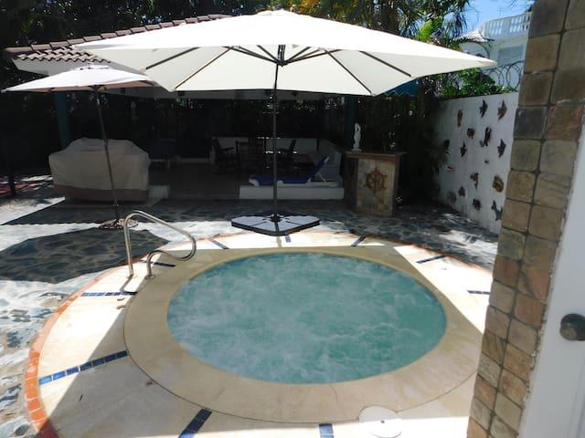 Maravillosa Villa Familiar con Piscina y jacuzzi