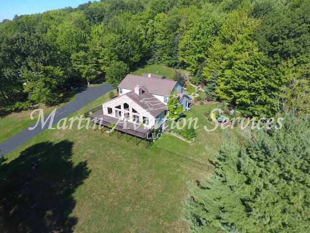50 Acre Private Estate,5BR3.5ba, waterfalls more