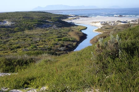 Samadhi Retreats  Getaway - Grotto Bay - Huis