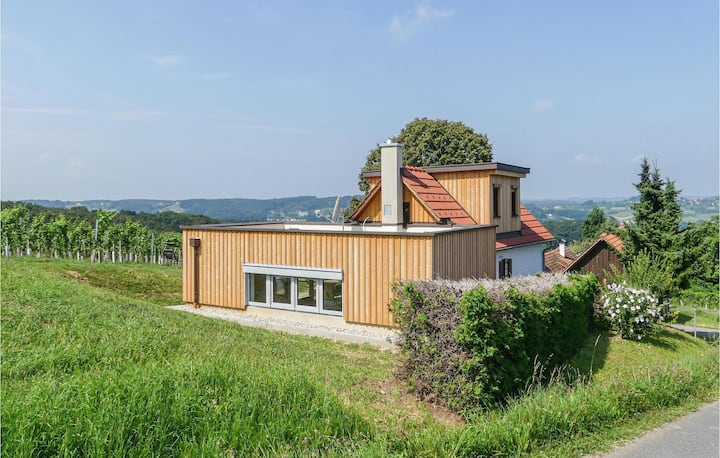 Stunning home in Straden with Sauna and 2 Bedrooms