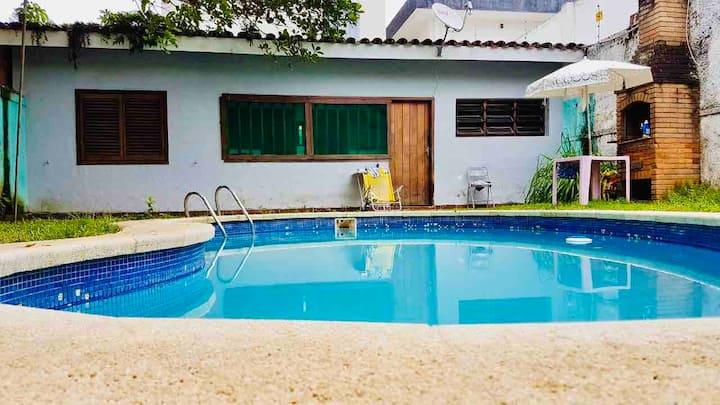 Guarujá, Enseada , com piscina e pertinho da praia