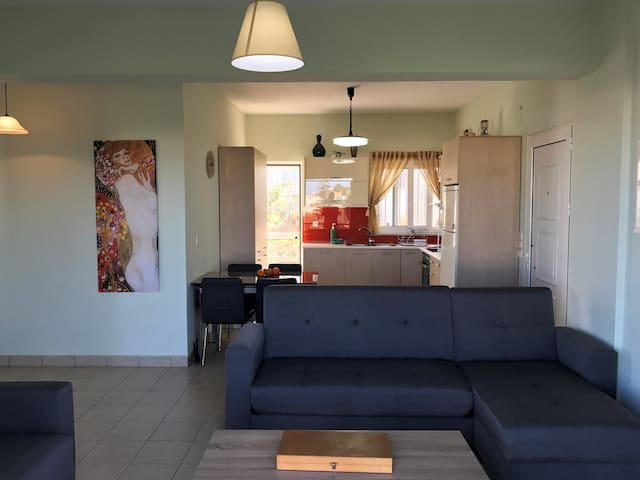 10mins walking to the beach, in Agioi Apostoloi! - Chania - House