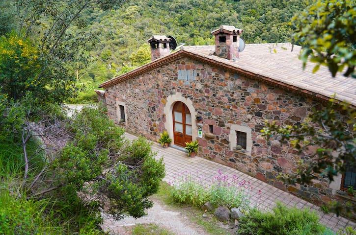 Masia Rural Can Grau (10-19 people) | Montseny