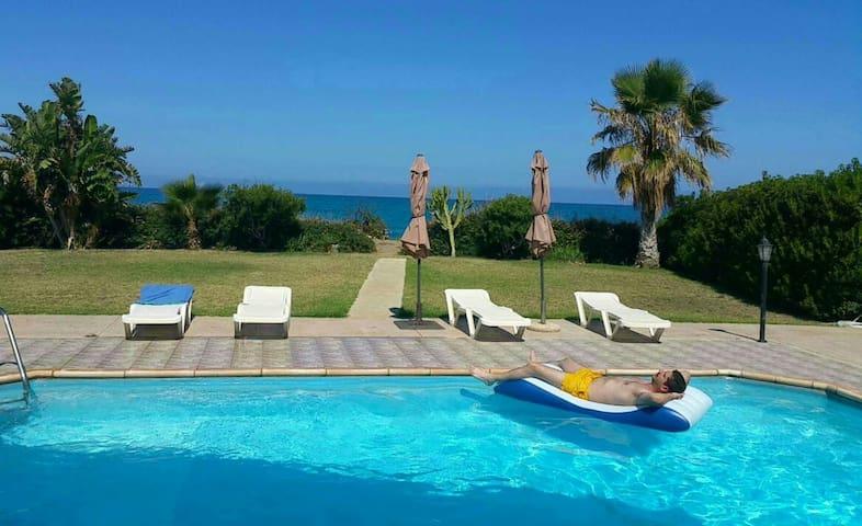Olgas beach villa - Αγια Μαρίνα χρυσοχούς - Casa