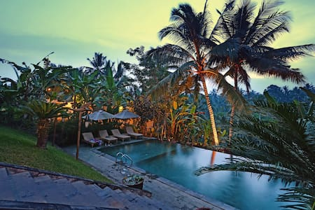 PROMO ! Amazing Valley View in Ubud Central - 乌布德 - 住宿加早餐