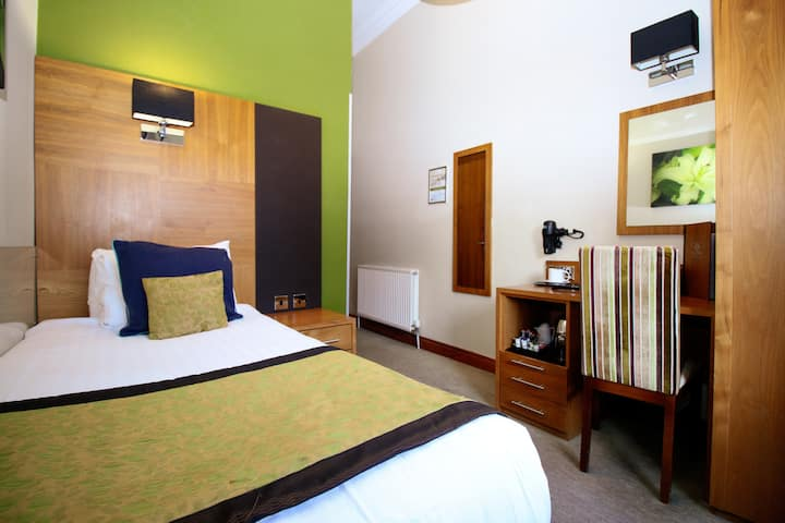 Stylish Single Hotel Rooms near SSE Hydro