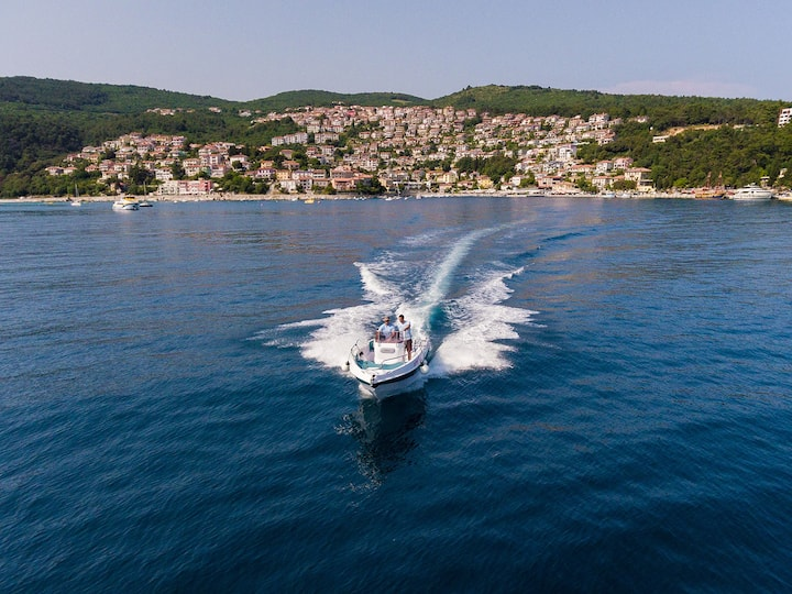 Motor boat for 8 persons Bluline 21 Open