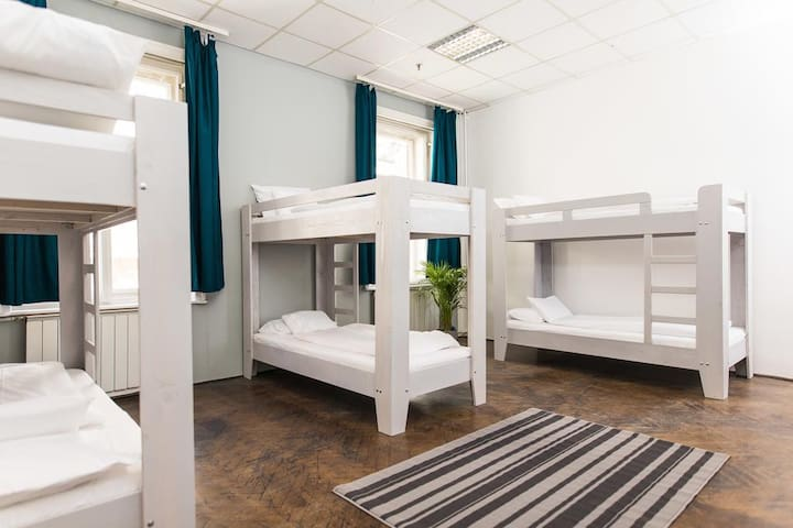 2B Hostel & Rooms - 1 Bed in 6 Beds Dormitory