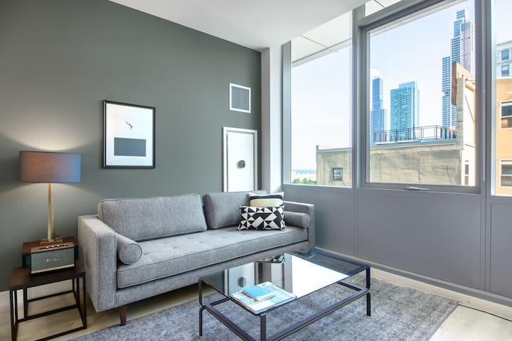Hip South Loop 1BR w/ Pool + Gym + W/D on Michigan Ave by Blueground