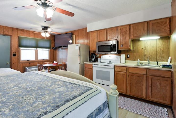 Quail Cove Resort Economy Single Room