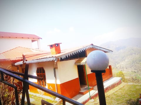 Villa suitable for the families. Gated community.