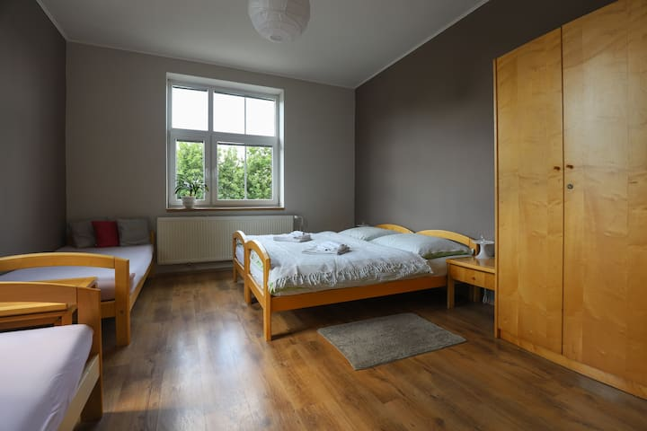 Double room with 2 extra beds in the first floor