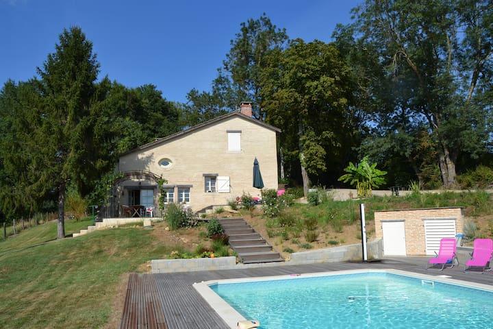 Maison de Charme ds Cadre verdoyant - Aillas - Σπίτι