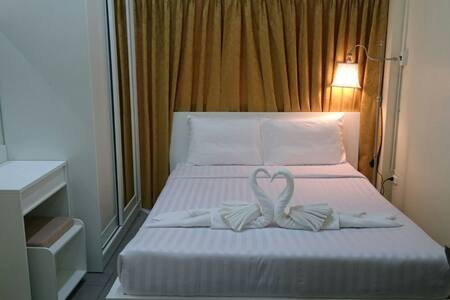 Private room close to the beach - Patong