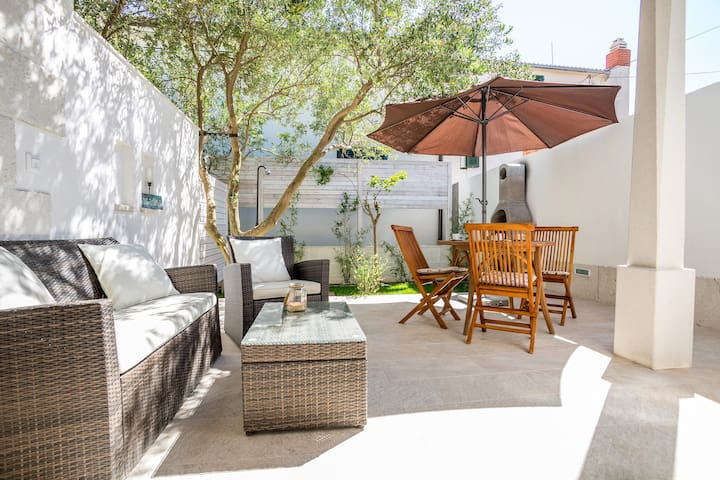 Studio S3 with South terrace & Private garden