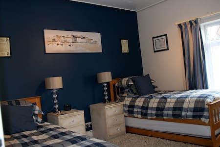 Mere Cottage B & B, Hardy Room - Alsager