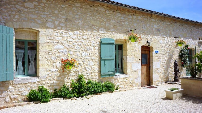 Lovely Riverfront Cottage - Port-Sainte-Foy-et-Ponchapt