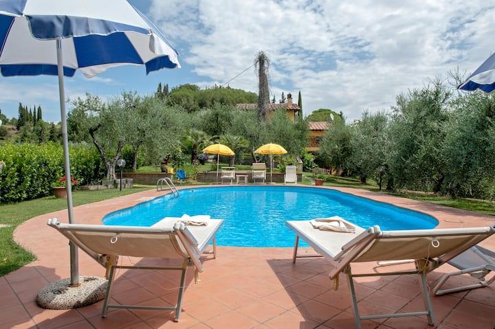 Villa Due Pini  Marti   con piscina privata
