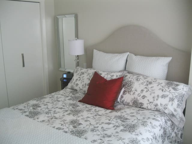 Perfect location! 1 bed apartment - Victoria - Byt