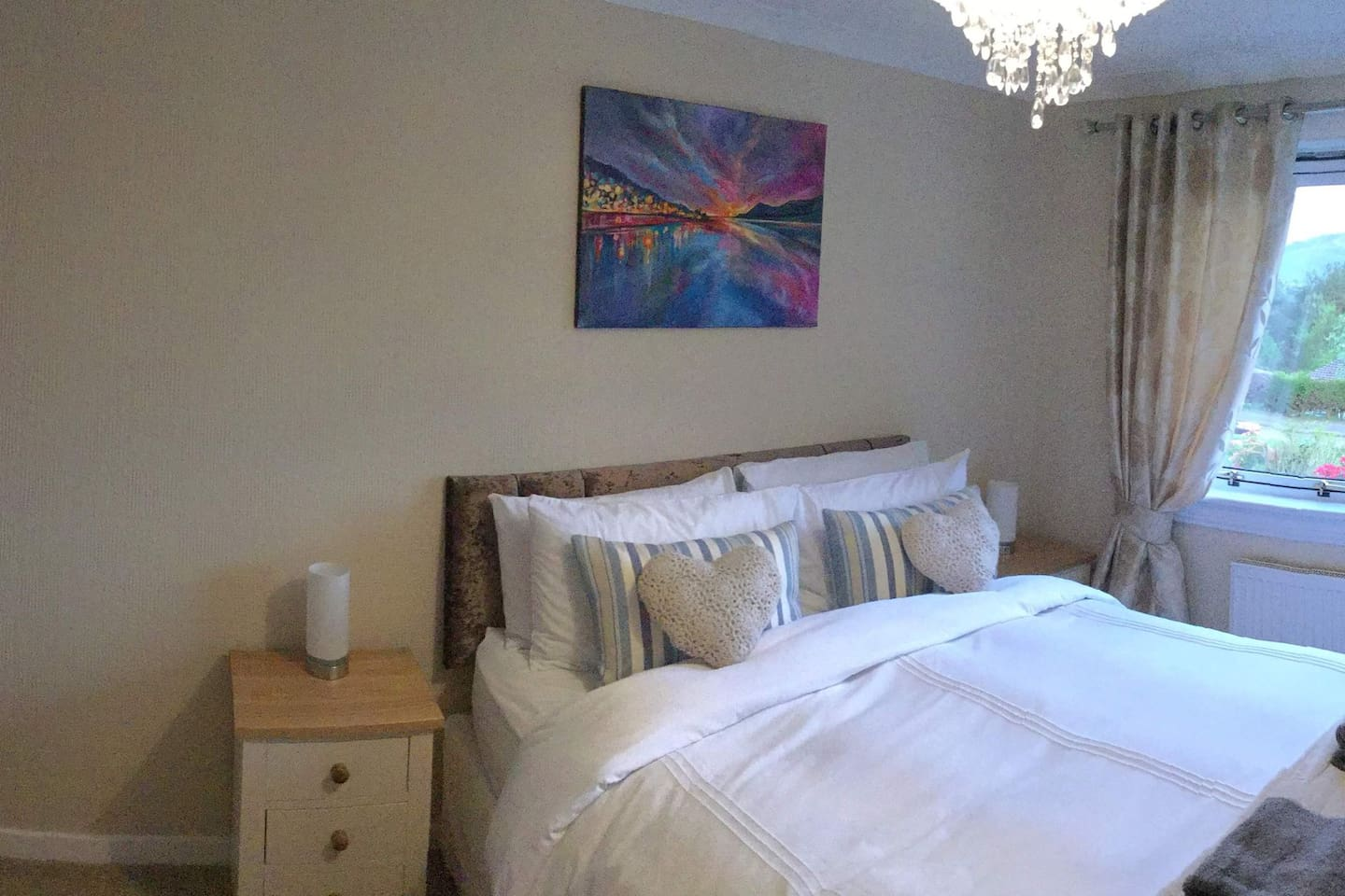 King size bed, room at front of house with beautiful view