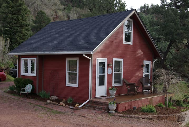 Quiet, Peaceful, Mountain Cottage - Manitou Springs - Cabaña