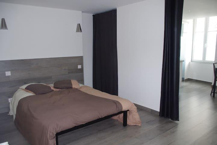 gîte-studio neuf - Josselin - Apartamento