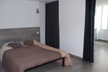 gîte-studio neuf - Josselin - Apartment