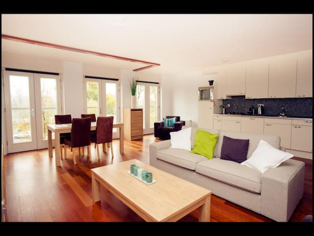 Modern apartement on Noordereiland