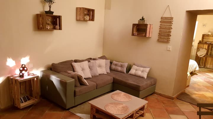 Apartment with one bedroom in Grambois, with WiFi