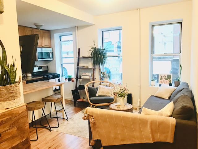 Bright Apartment in the Heart of Soho