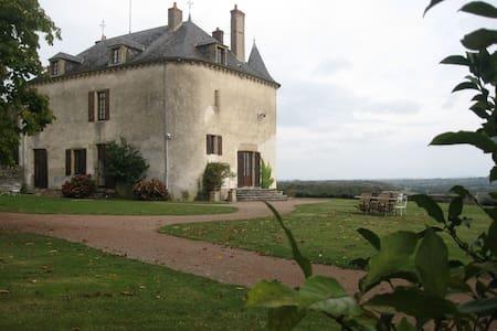 Chambre double dans une tour (TI) - Champallement - Pousada