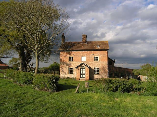 Oak Tree Farm Georgian farmhouse. - Yoxford - Bed & Breakfast