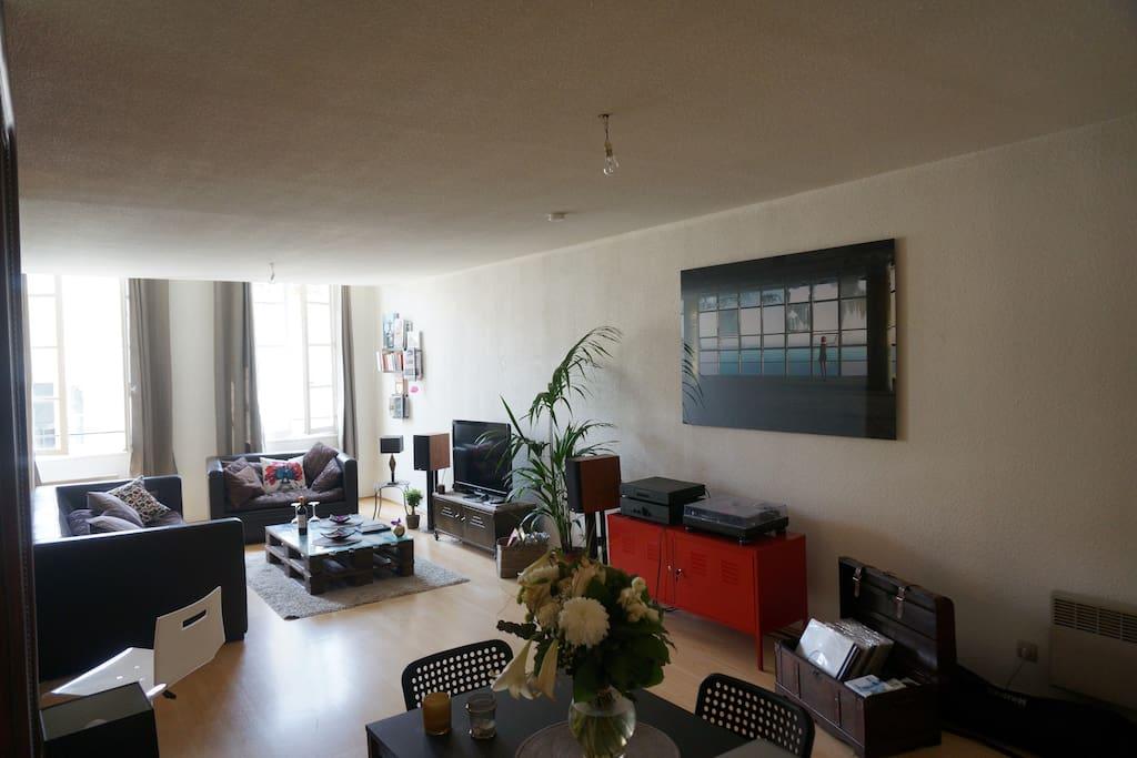 Appartement 80m2 plein centre apartments for rent in for Appartement bordeaux 80m2