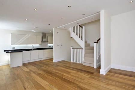 Finchley Luxury Apartment