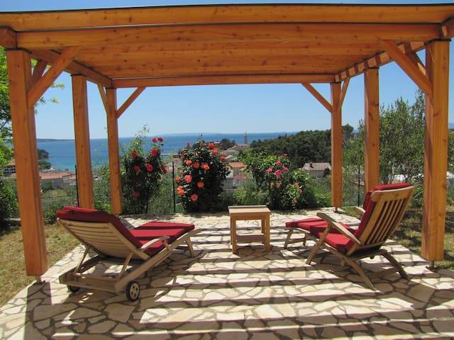 BELLA VITA holidays in roses - Rab
