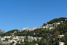 Vues sur Roquebrune-Village et son château