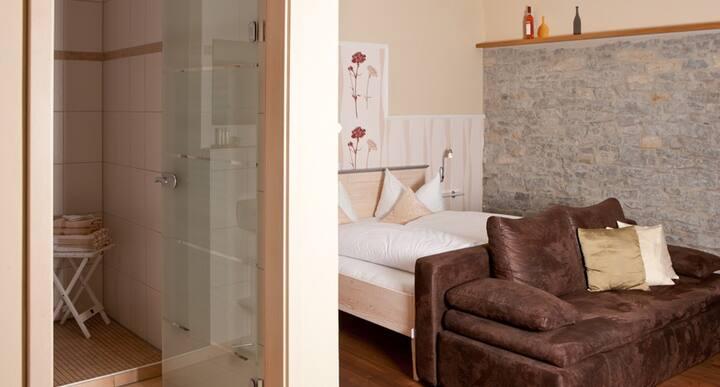 Main Landhaus (Nordheim), Premium Zimmer für zwei Personen - modern und hochwertig eingerichtet