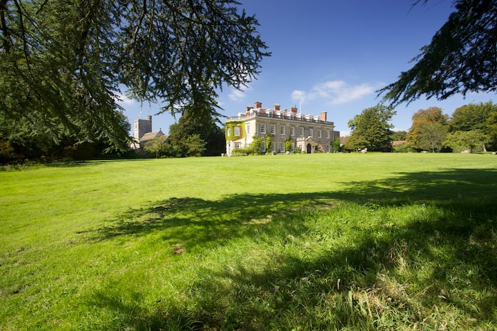 3 bedrooms in stately home in Wilts