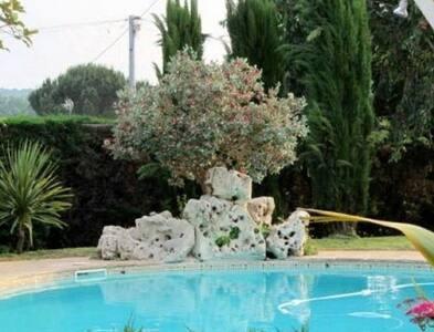 Belle maison indépendante rénovée avec piscine