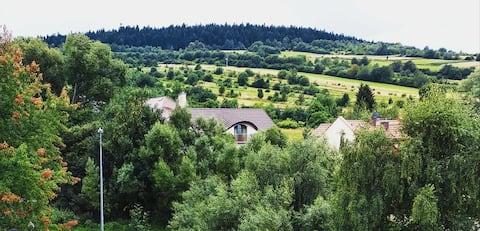 Apartament z widokiem na wzgórza