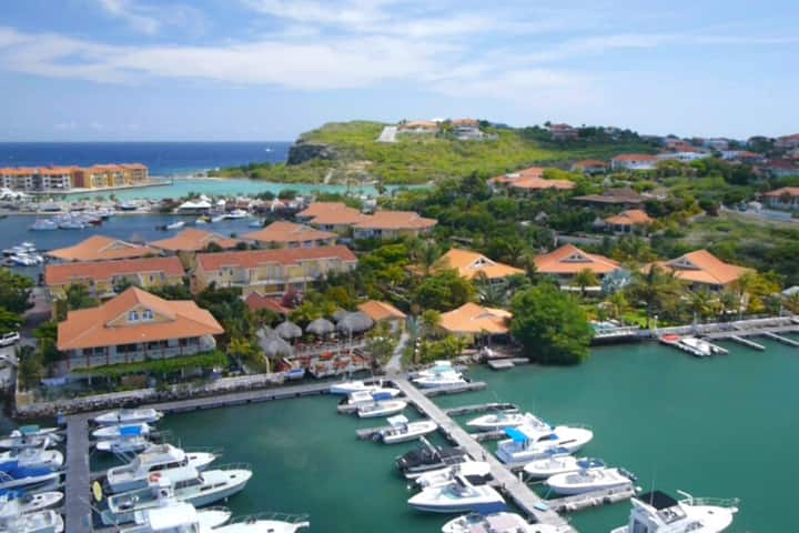 Tommy Coconut's Harbor Club ★ GET $ 1.750 EXTRA'S